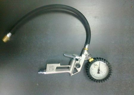 Itec, fimet, wika - pistol verificat presiunea in pneuri