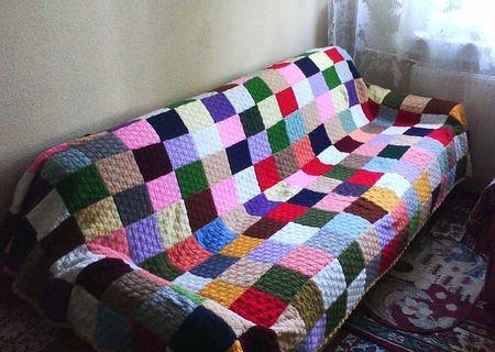 Patura cuvertura tricotata manual