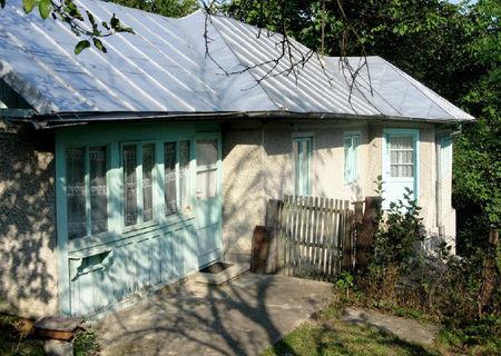 Vand casa intr-o zona deosebita la intrarea in Slanic Prahova