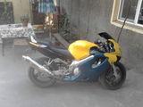 Honda CBR F4  600 cmc