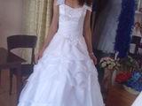 rochie de mireasa,stare impecabila,moderna