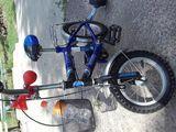 Vand bicicleta albastră de copii pana in 6  ani
