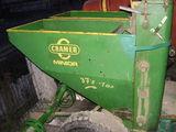vand masina de plantat cartofi pe doua randuri marca cramer