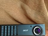 Vand videoprojector ACER X1161
